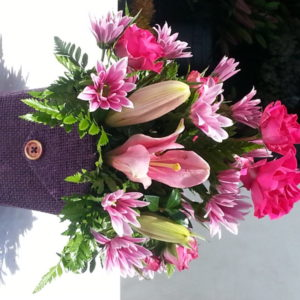 6 Pink Roses & Pink Lilacs