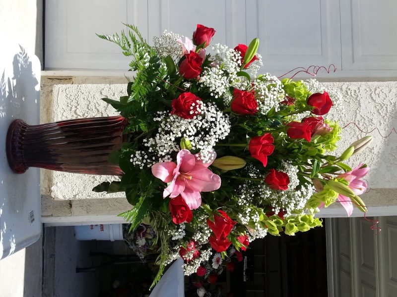 Dozen Red Roses & Pink Lilacs With Baby's Breath