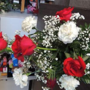Half Dozen Roses & White Carnations Wit Baby's Breath
